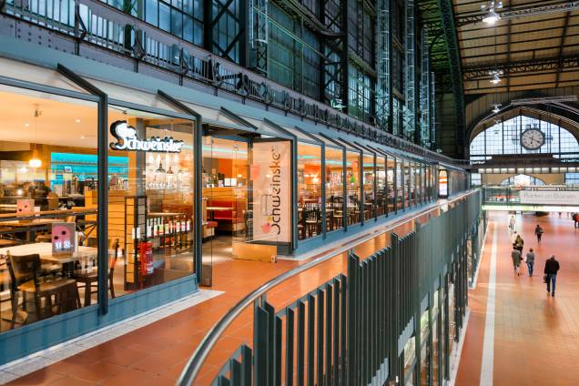 Schweinske Hauptbahnhof/Wandelhalle Slide 1