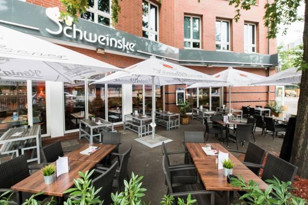 Schweinske Harburg-City Slide 1